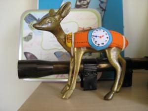 5oclock deer clock